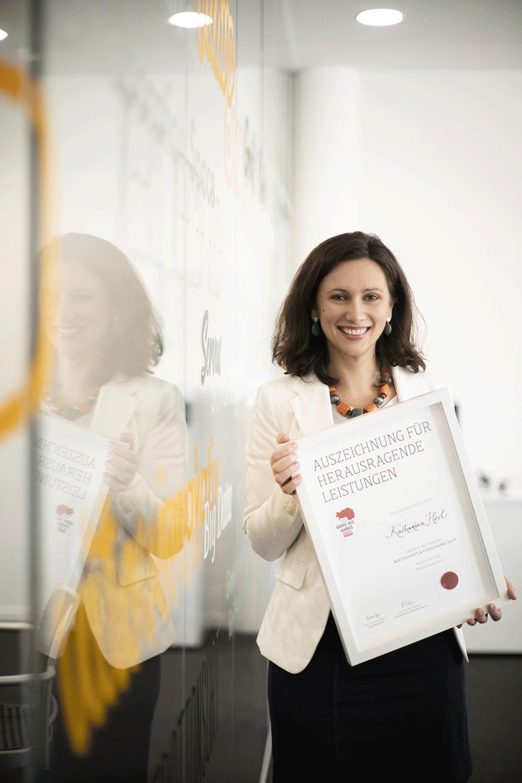 """VITAVO Geschäftsführerin Katharina Heil mit """"Kopf des Jahres 2020"""" Auszeichnung"""
