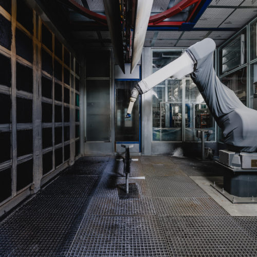 Lackierroboter in Industriehalle am LAC Berger Standort in Großreifling